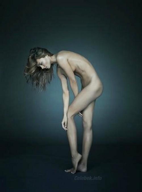 Miranda Kerr meztelenül a CelebVilág villantásai oldalán
