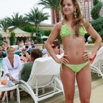 Mena Suvari camel toe bikini 5