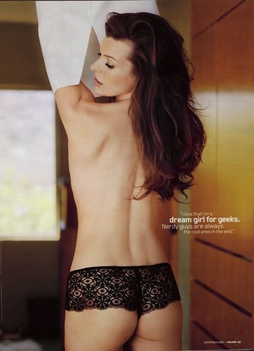 Milla Jovovich topless 1