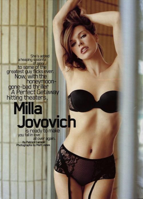 milla-jovovich-topless-3