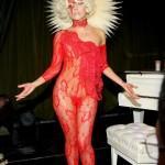 Lady Gaga nude in red -2- celeb-kepek.info
