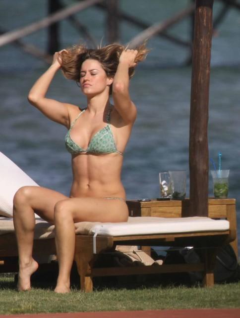 Lola Ponce bikini -3- celeb-kepek.info