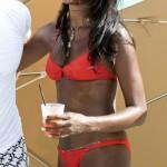 Naomi Campbell orange bikini -3- celeb-kepek.info
