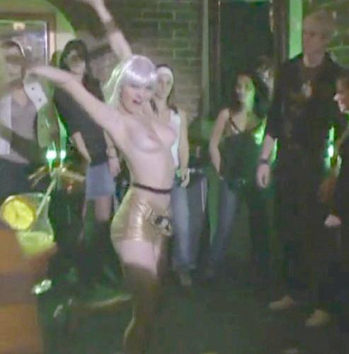 emese-topless-stefanovics-angela