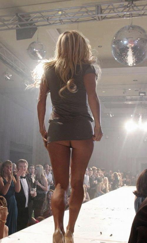 Pamela Andersons ass -6- celeb-kepek.info