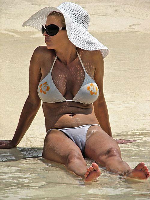 Jessica simpson white bikini camel toe petit