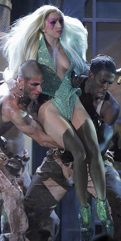 Lady Gaga nipslip
