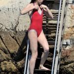 Charlotte Gainsbourg fürdőruhás kép