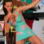 Katy Perry bugyivillantása a Time Squaren -9-