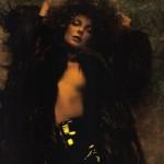 Eniko Mihalik topless in numero -2-