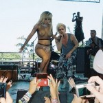 Lady Gaga seminude on lollapalooza 2010 -1-